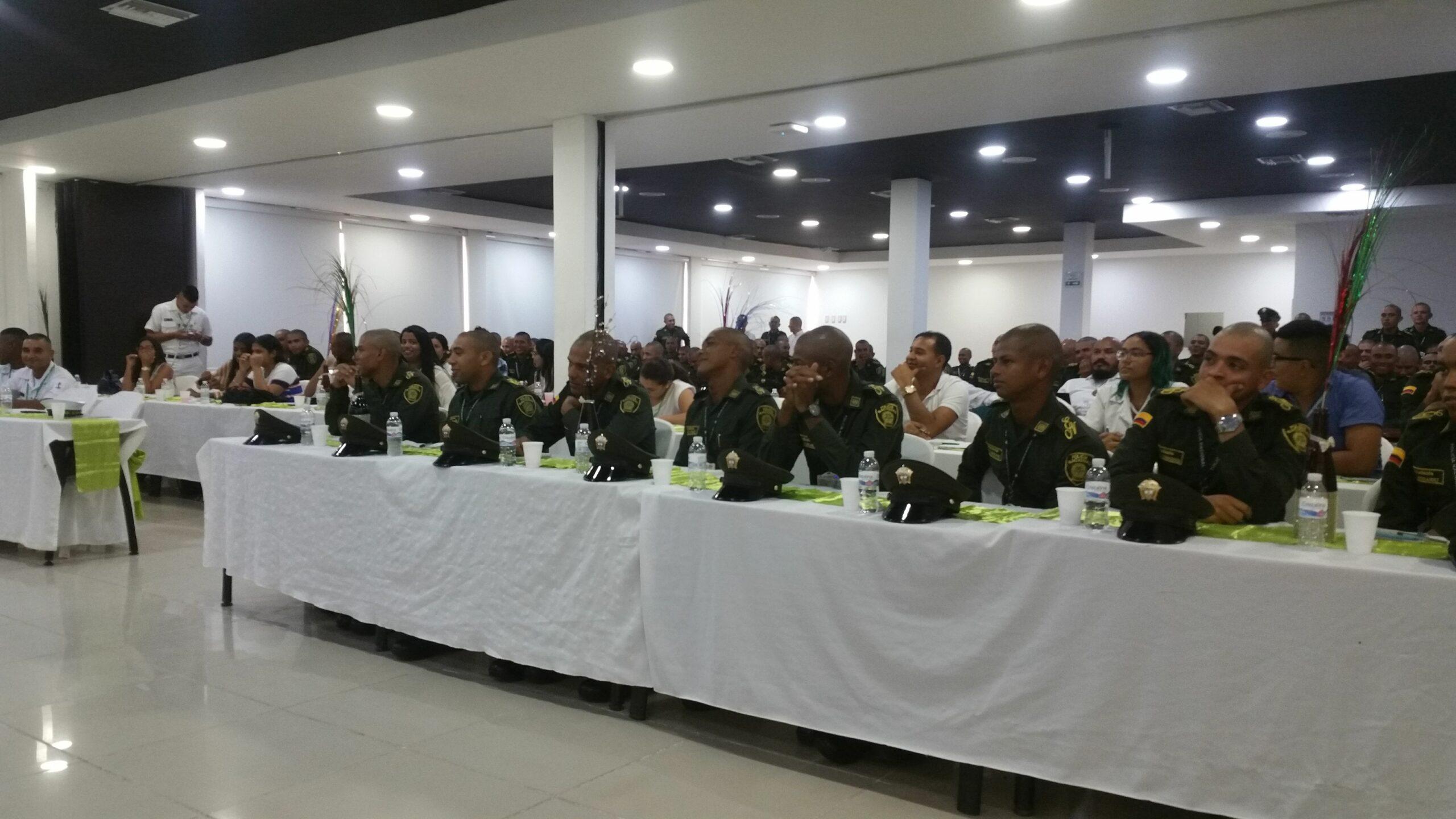 """Taller interventivo con teatro fórum en la Escuela de Policía Antonio Nariño: """"ineficiencia profesional, talento humano y factores organizacionales"""""""